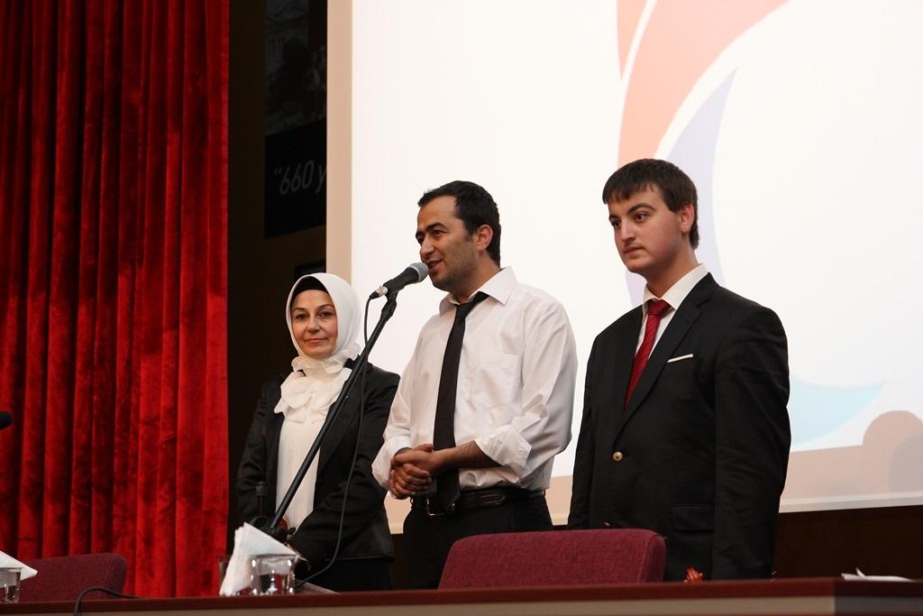 http://lisansustu.fatihsultan.edu.tr/resimler/upload/Yil-Sonu-Sergisi-Prof-Dr-Oktay-Aslanapa-Anisina-13120613.jpg
