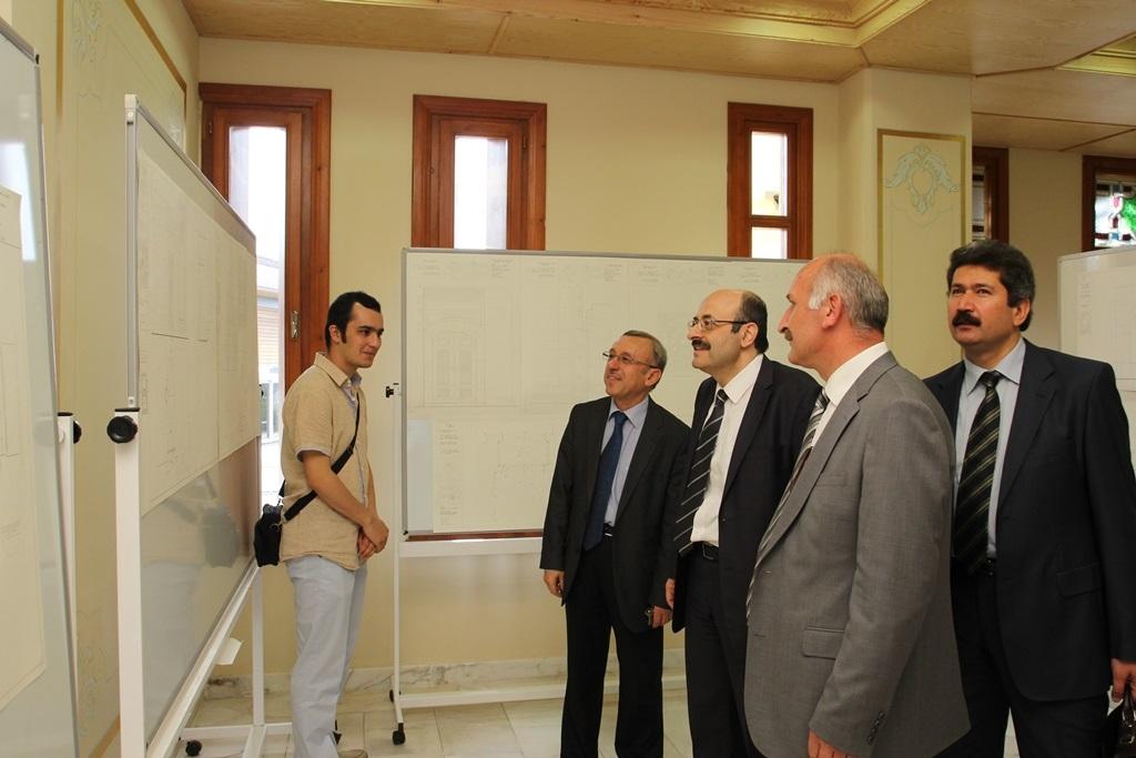 http://lisansustu.fatihsultan.edu.tr/resimler/upload/Yil-Sonu-Sergisi-Prof-Dr-Oktay-Aslanapa-Anisina-8120613.jpg